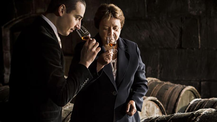 Rượu Martin ủng hộ nữ quyền