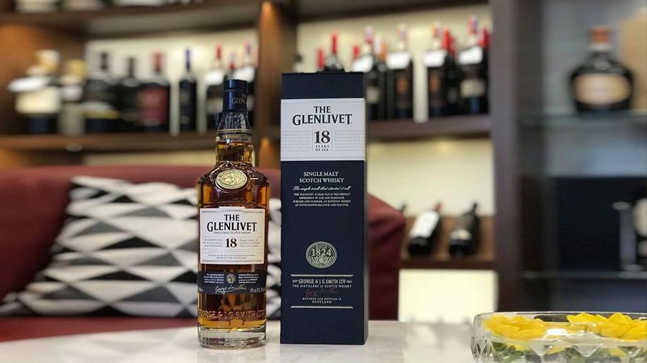 Rượu Glenlivet 18
