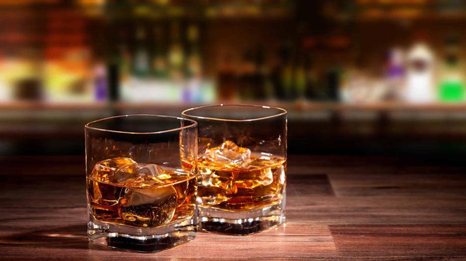 Ly uống rượu Whisky có gì đặc biệt