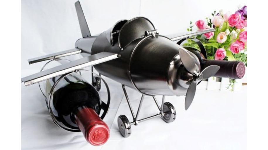 Giá đỡ rượu hình máy bay phi công