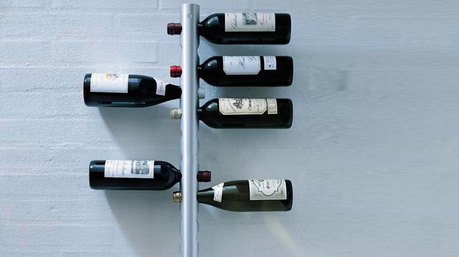 Giá rượu dọc treo tường